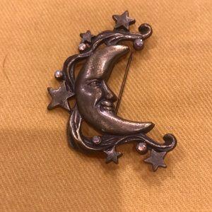 DD half moon pin